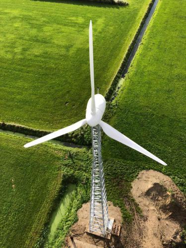 De E200 vanuit de lucht